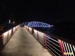 南市首座自行車跨橋 增添水岸夜景