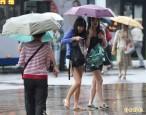 天氣悶熱 午後仍有雷陣雨