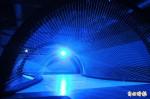 韓國藝術家金暎垠 光雕投影帶民眾漫步銀河
