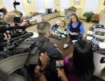 拒發同性結婚證書入獄 法官:我幫不了她