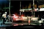 警急抓方向盤 暴衝毒蟲秒撞路燈