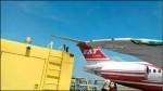 小港機場驚魂... 地勤車撞飛機 遠航要求償