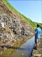 潮境公園垃圾沖入海 擬先阻落