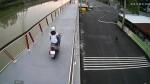 南市首座自行車橋機車勿入  有「法眼」緊盯