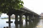 國慶日不平靜!永和中正橋40面國旗遭損毀