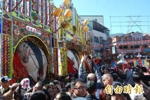 三峽神豬祭典登場 1306台斤吸萬人爭睹