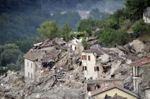 義國中部強震進入緊急狀態 38死百失蹤(持續更新)
