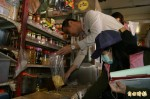 東縣抽驗101件年節食品 2件防腐劑超量