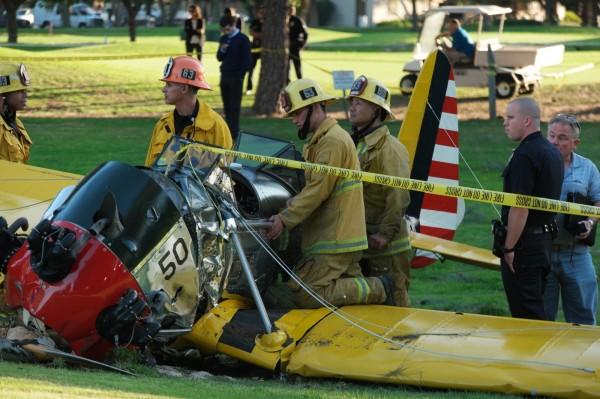 哈里遜福特避鬧區降落 救了好多人