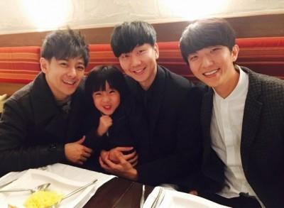 JJ慶34歲 「老小」男神齊聚