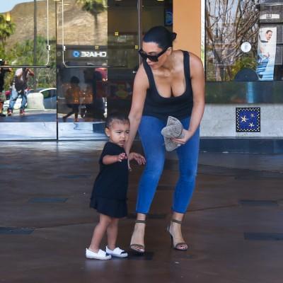 豐臀金2歲女兒 穿香奈兒不哭哭