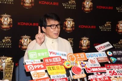 成龍失言滅亡台港電影    被台灣導演打臉