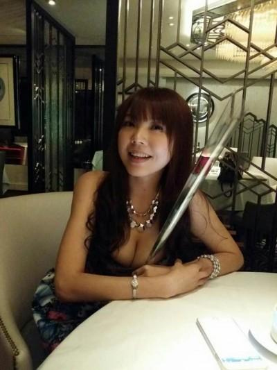 劉樂妍剛說不甩男人 見帥警嬌喊「來抓我」
