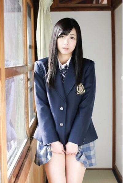 日本23歲高中生拍性感寫真出道