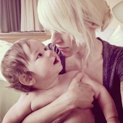 小孩大哭    懷孕歌手被踢下飛機