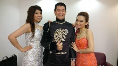 蔡小虎新加坡開唱 夾帶雙妹