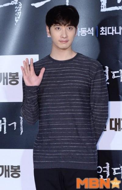 2PM燦盛火了 警告佈謠者