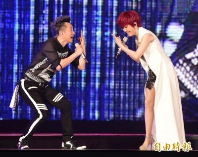 (影音)搖滾飆唱   江蕙想幫哈林相親