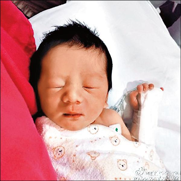 恭喜!隋棠升格當媽 新加坡自然產生子