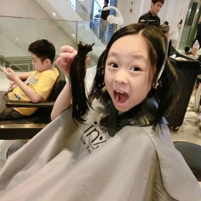 好有愛!洪百榕7歲女兒 剪髮助癌童