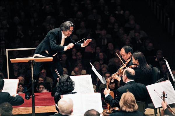 慕提擅長歌劇 推升芝加哥交響樂團