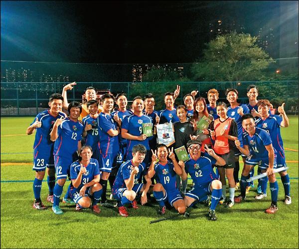 李運慶隨明星足球隊赴香港交流