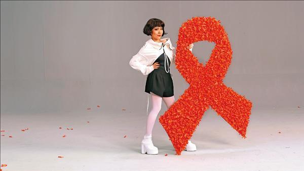 吳莫愁獻唱 鼓勵愛滋病友