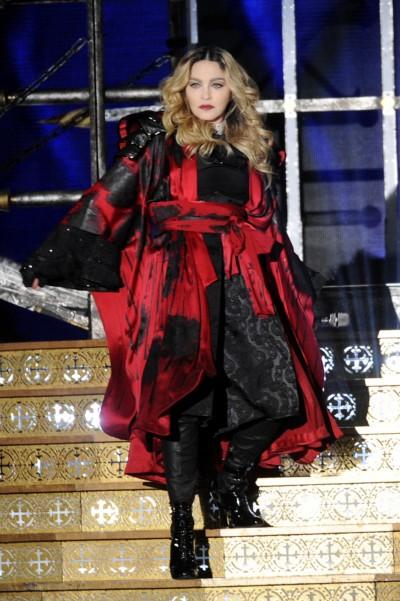 南台6.4大地震 瑪丹娜被震醒