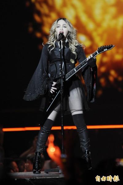 演唱會照常舉行 瑪丹娜轉發作家語錄