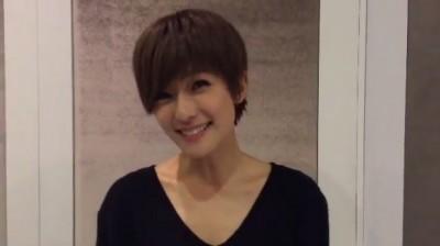 賴雅妍「三八」變回女嗲聲 粉絲甜喊:一樣可愛!