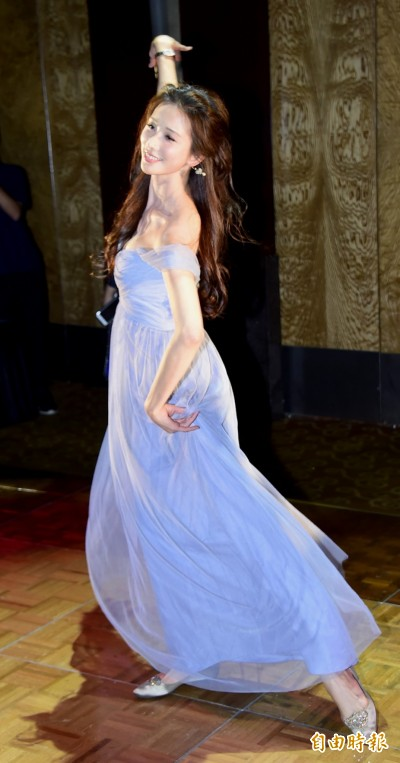 (影音)波濤洶湧!林志玲於浪琴晚宴展現性感芭蕾