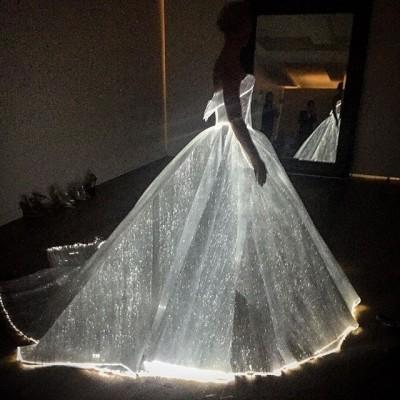 (有片)美呆了Met Gala 這些禮服如夢似幻會發光
