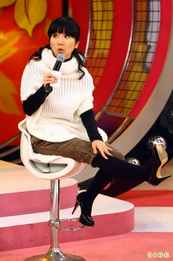 陶子投奔中國《大學生》惹怒中天 台版將停播