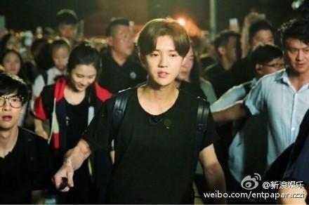 鹿晗非法打工 傳是台灣資深藝人檢舉的!