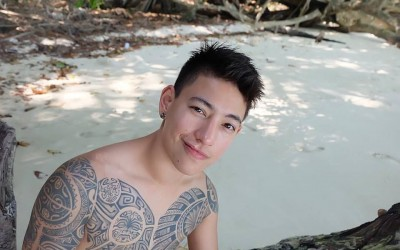 泰國最帥的女人ZEE竟大裸上半身  強調自己是「純天然」