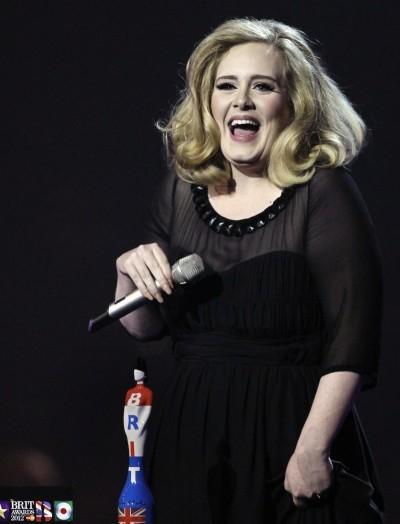 愛黛兒遭狠酸! 專輯被評為是「中庸歌曲」