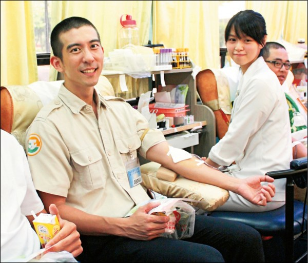 修杰楷響應捐血 免費代言