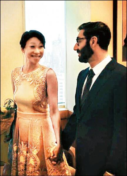 胡婷婷紐約公證婚 等16年嫁老外同學