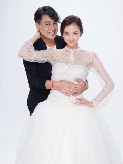 朱孝天婚禮變演唱會    甜喊老婆「太皇太后」