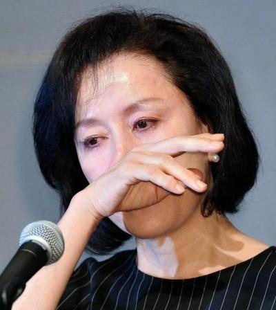 女星站65分鐘代性侵兒道歉 媒體追問性癖好被罵翻!