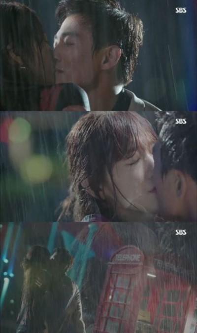 粉絲最愛的《Doctors》雨中初吻戲 金來沅竟說是「失誤」