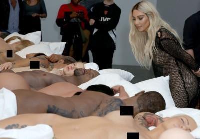 洛基會生氣~  肯伊公開展覽泰勒絲的裸體蠟像