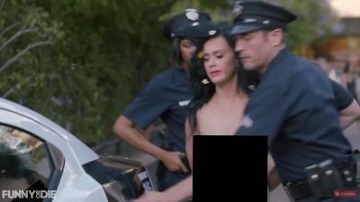 (影音)凱蒂佩芮全裸遭逮捕    求警方讓她去投票
