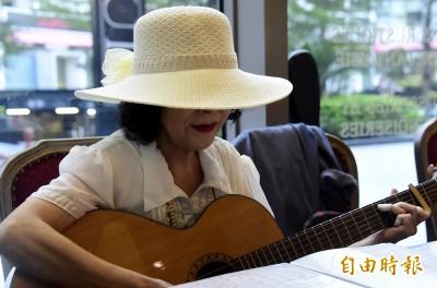 (影音)聽聽!天后江蕙如何詮釋前輩洪小喬的「愛之旅」