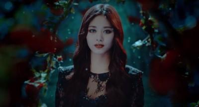 TWICE新歌MV出爐  子瑜化身高冷黑魔女秀長腿
