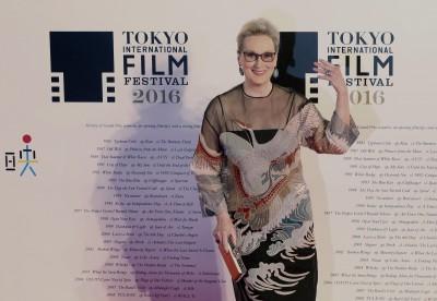 梅姨親切現身東京影展紅毯 蒼井優和緋聞男友首度同台