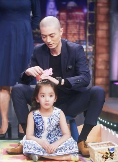 霍建華幫女孩綁頭髮   迫不及待當爸