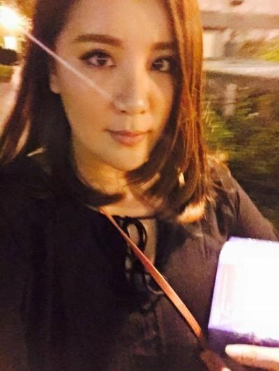 小禎回味4年前辣照 爆乳+纖腰「走酒店風」