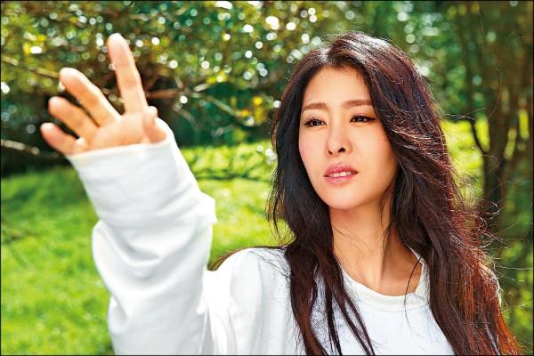 張碧晨圓《童夢》  來台拍MV喜會Ella