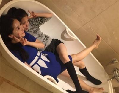 女星同睡共浴   歐陽娜娜被發現洗澡有怪癖